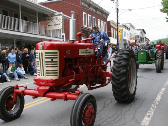 tractorparade2006